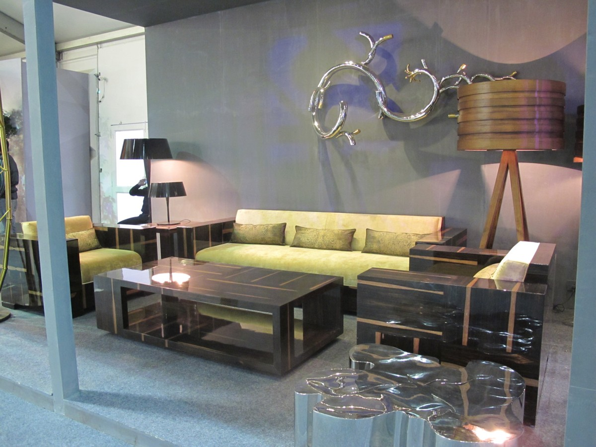 living area furniture and accessories