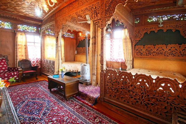 Houseboat interior design interiors images houseboats for Home designs kashmir