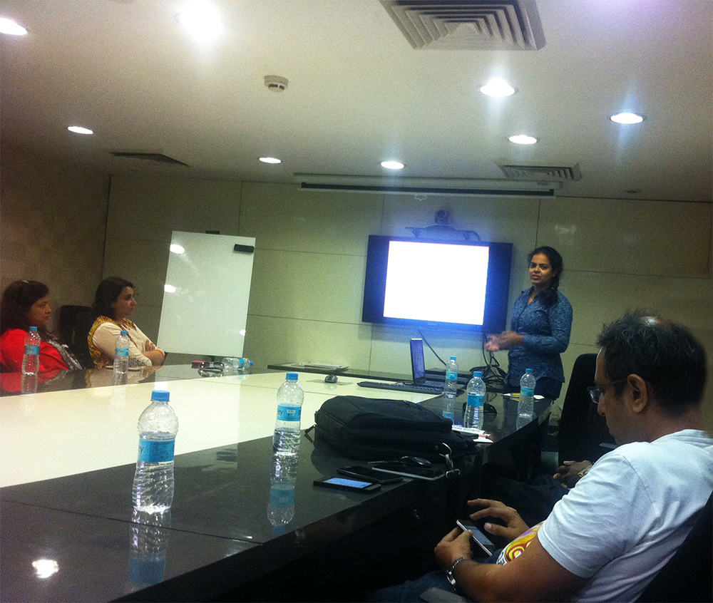ZingyHomes' Nivedita making a presentation at ZingyDesign Meetup