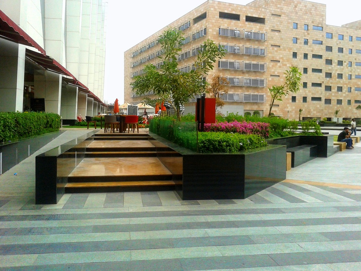Pathways and seating, Elante Mall