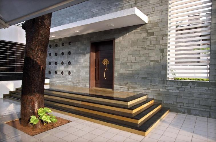 Contemporary home entrance designs modern front door for Contemporary house main door designs