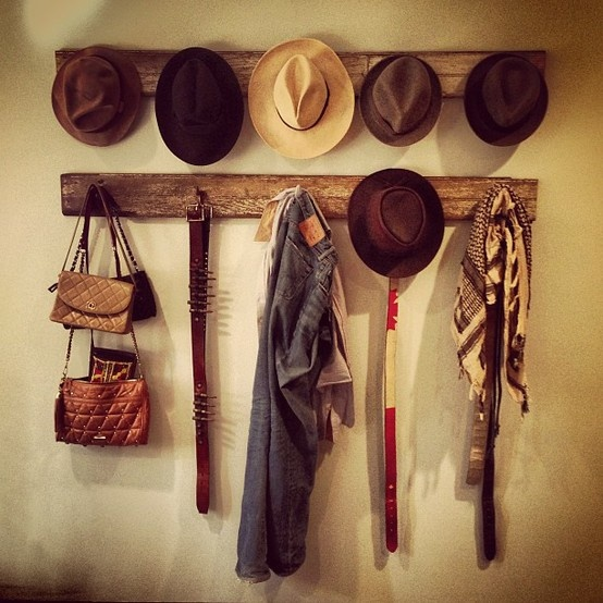 Wooden cloth/hat hangers