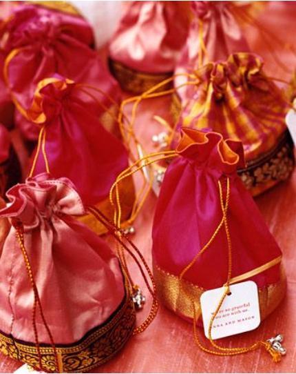 Wedding Return Gifts 7 Source Return Gift Ideas For Indian Wedding Reception Gift Ideas
