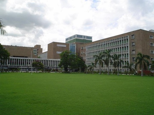 All India Institute of Medical Sciences in Delhi, Source: wikipedia.org