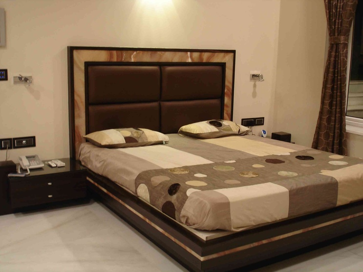 Bose villa by arpita doshi interior designer in kolkata for Double bed design photos