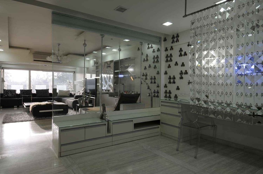 Site at nepean sea road by sonali shah interior designer for Living room glass partition designs