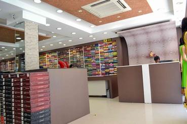 Retail Cash Desk Design Modern Cash Counter Design For Shop