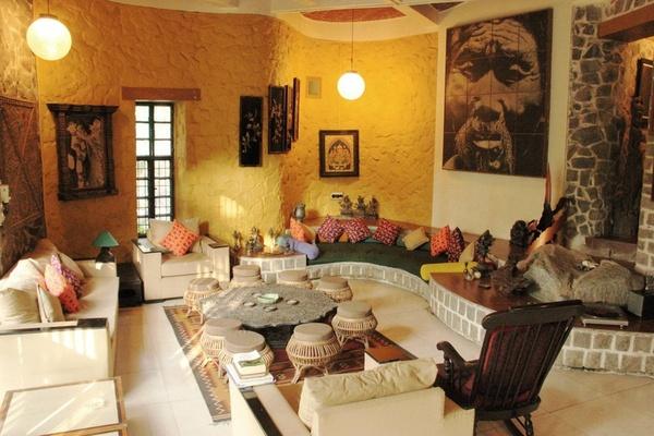 Living room seating arrangements furniture layout design for Best seating arrangement for small living room