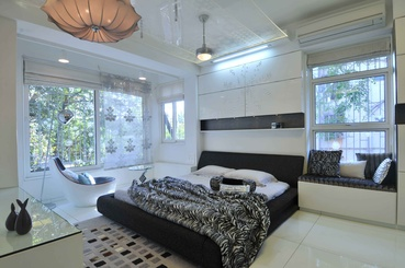 Modern Bedroom in Black and White