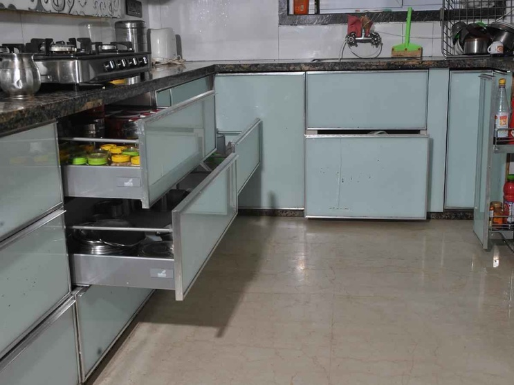 Lifestyle homes by 999 interiors interiors interior for Aluminium kitchen cabinets in chennai