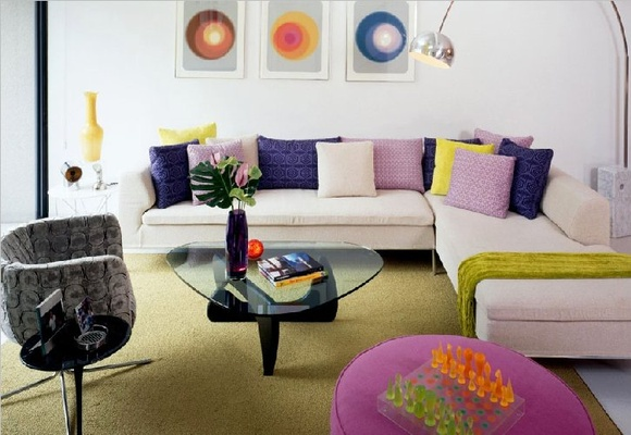 Retro Living Room Design, Image Source: homedesignholic.com