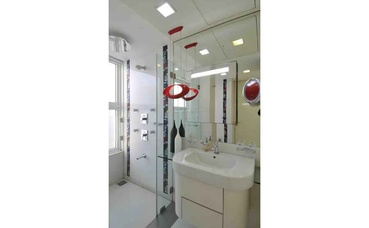 White Kids Bathroom Design