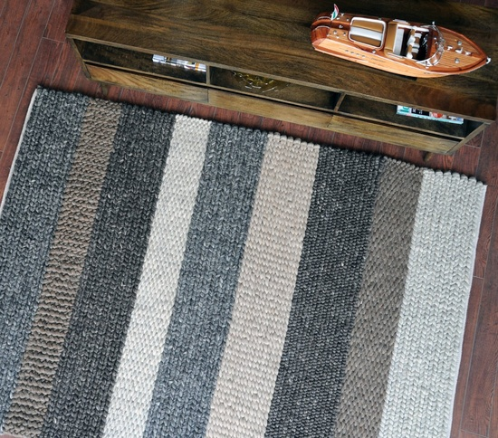 Hand-woven Stripped Pattern Rug