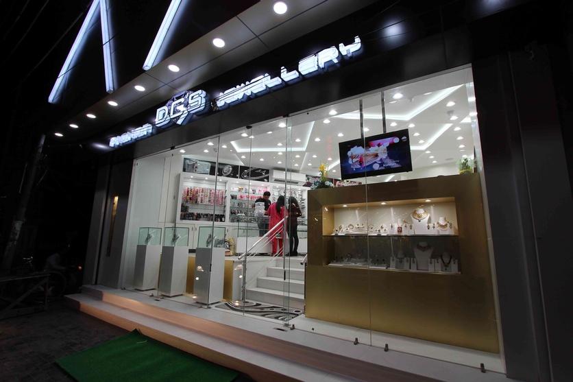 Front Elevation Of Showroom : Dgs fashion jewellery showroom by atul kumar singla