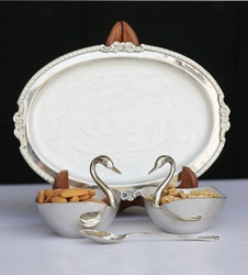 Trays with 2 Swans and Spoon