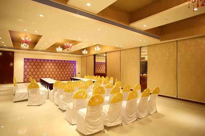 Banquet hall design by ishita joshi interior designer in for Small hall interior design photos india