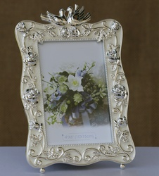 Photo Frame with Pair of Swans Top