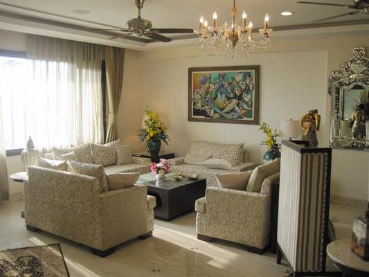 Royal style living room design royal living room decor for Royal living room designs