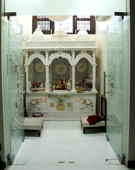 Small pooja cabinet designs small house pooja room design ideas - Small space room model ...