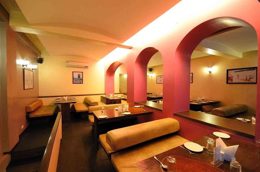 Kareem s restaurant pune by veerdhaval desai interior