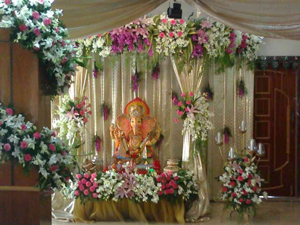 Ganesh chaturthi decoration ideas tips photos pictures for Artificial flower decoration for ganpati