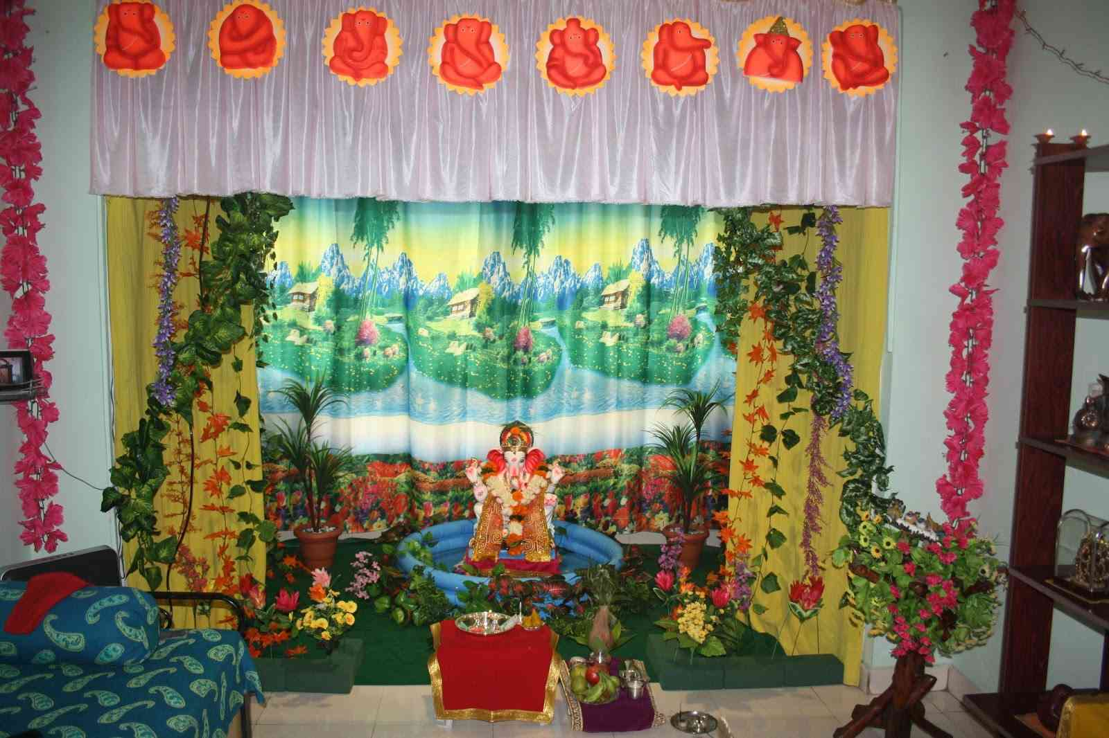 Ganpati Decoration Ideas at Home Images with Flowers ...